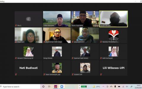 Keluarga Besar FPEB Gelar Doa Bersama di Masa Pandemi Covid 19